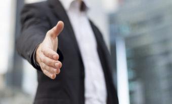 Por que o cliente deve fechar negócio com você?