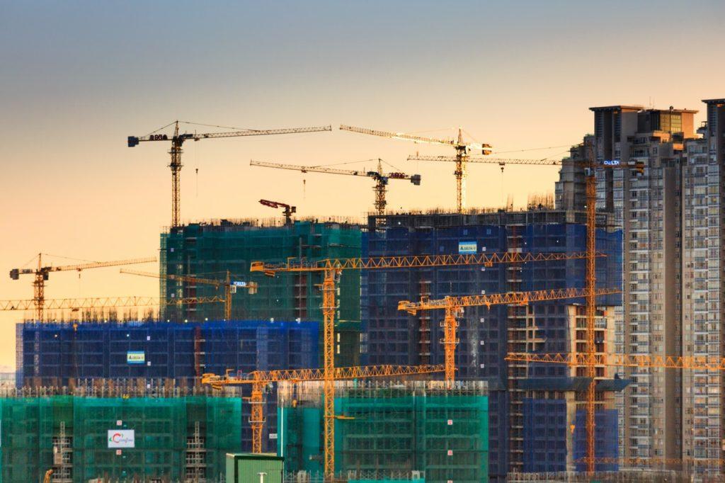 Como a construção civil está enfrentando a crise